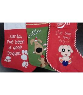 Assortissement de trois chaussettes de Noël sur le thème du chien